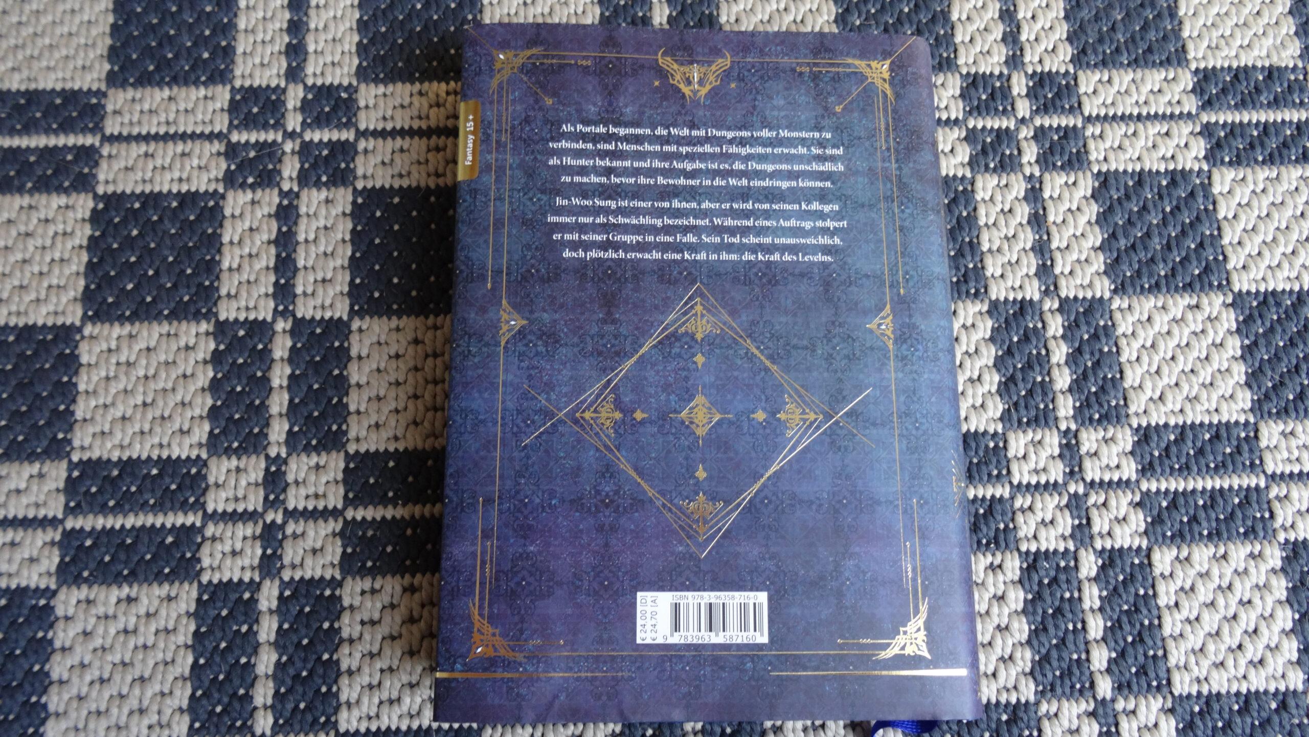 Das Bild zeigt die Rückseite des Solo-Leveling Band 01 mit Umschlag.